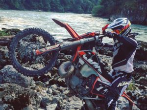 Putting in some quality time on the #300exc with @zajcmaster #enduro #ktm #de_portfolio #ride100percent #alpinestars