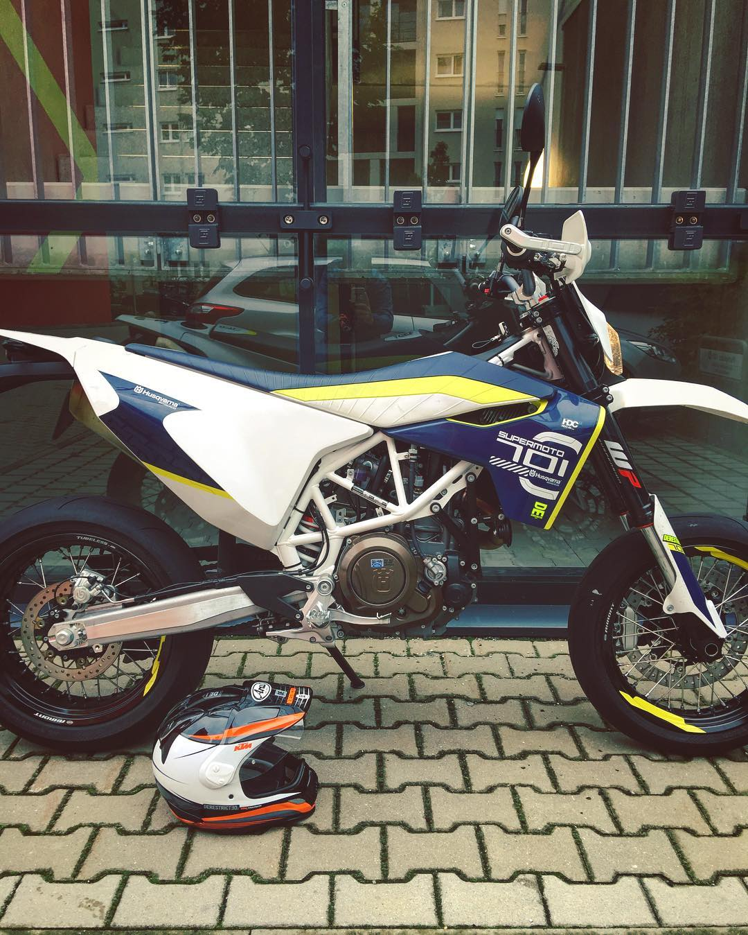Back in the city on the #Husqvarna #701 #supermoto