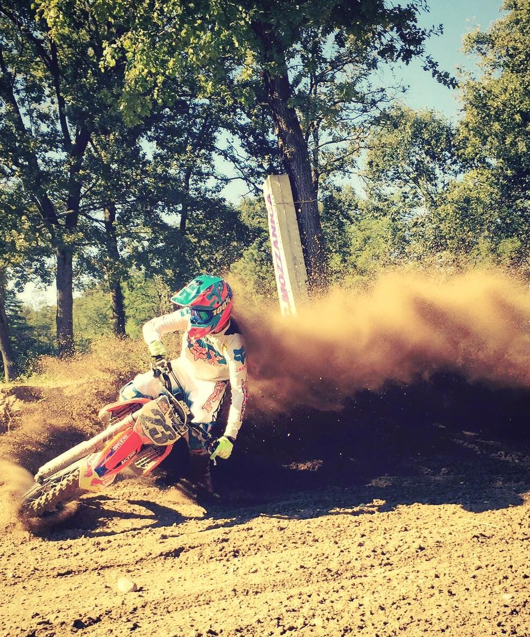 Ride or die! Killer shot from our buddy @tschugg23 #ride100percent #ktm #moto #mx @haibike_official