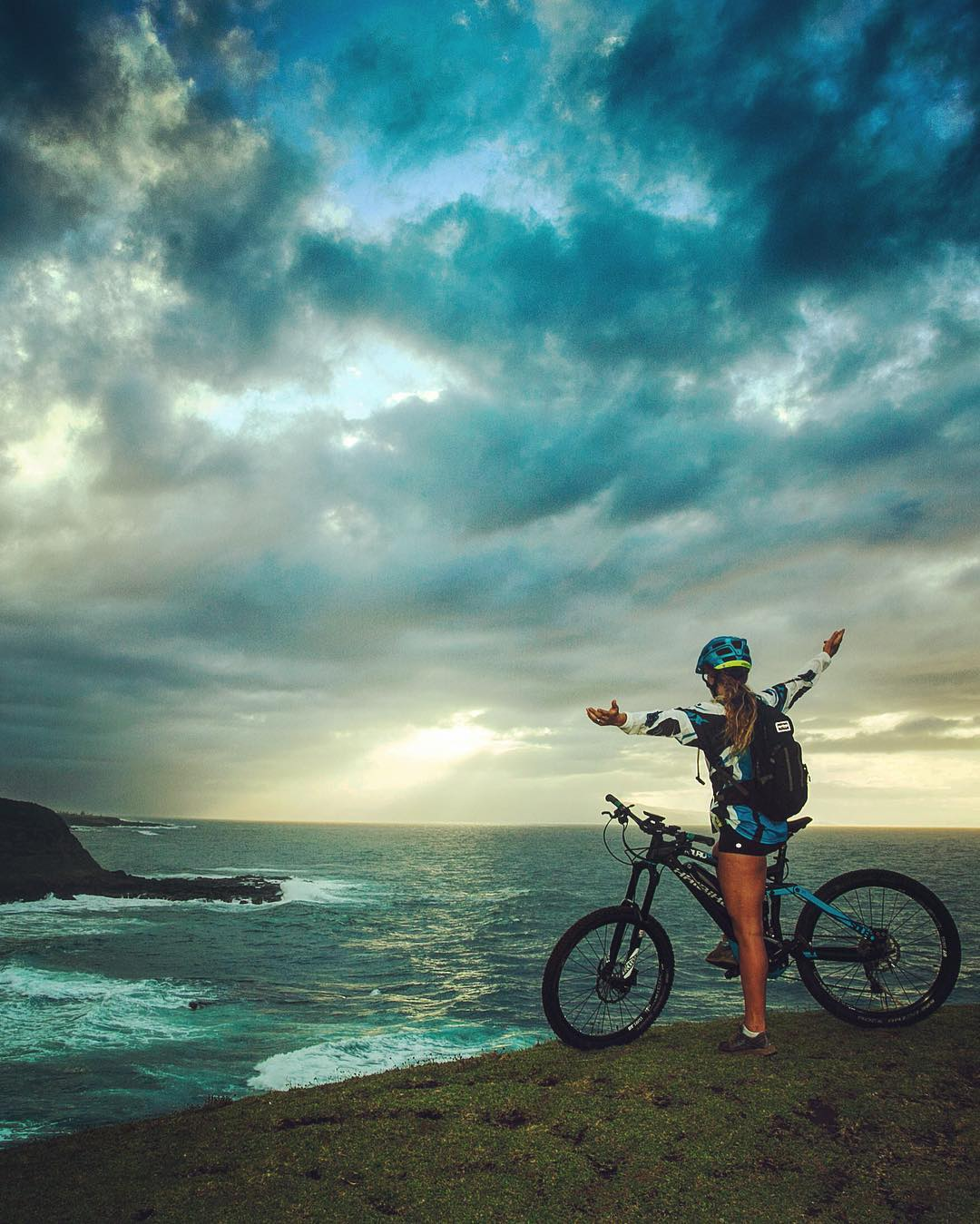 Olympic skier @resistiegler on her #SDURO out in Maui! Where will your #Haibike take you this weekend?  Photo from @pritchdog