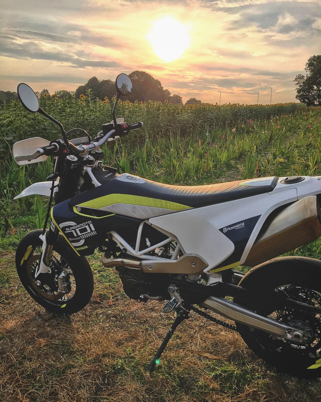 The #Husqvarna #701 , a sunset and a sunflower field. For real. @husqvarna1903 #supermoto