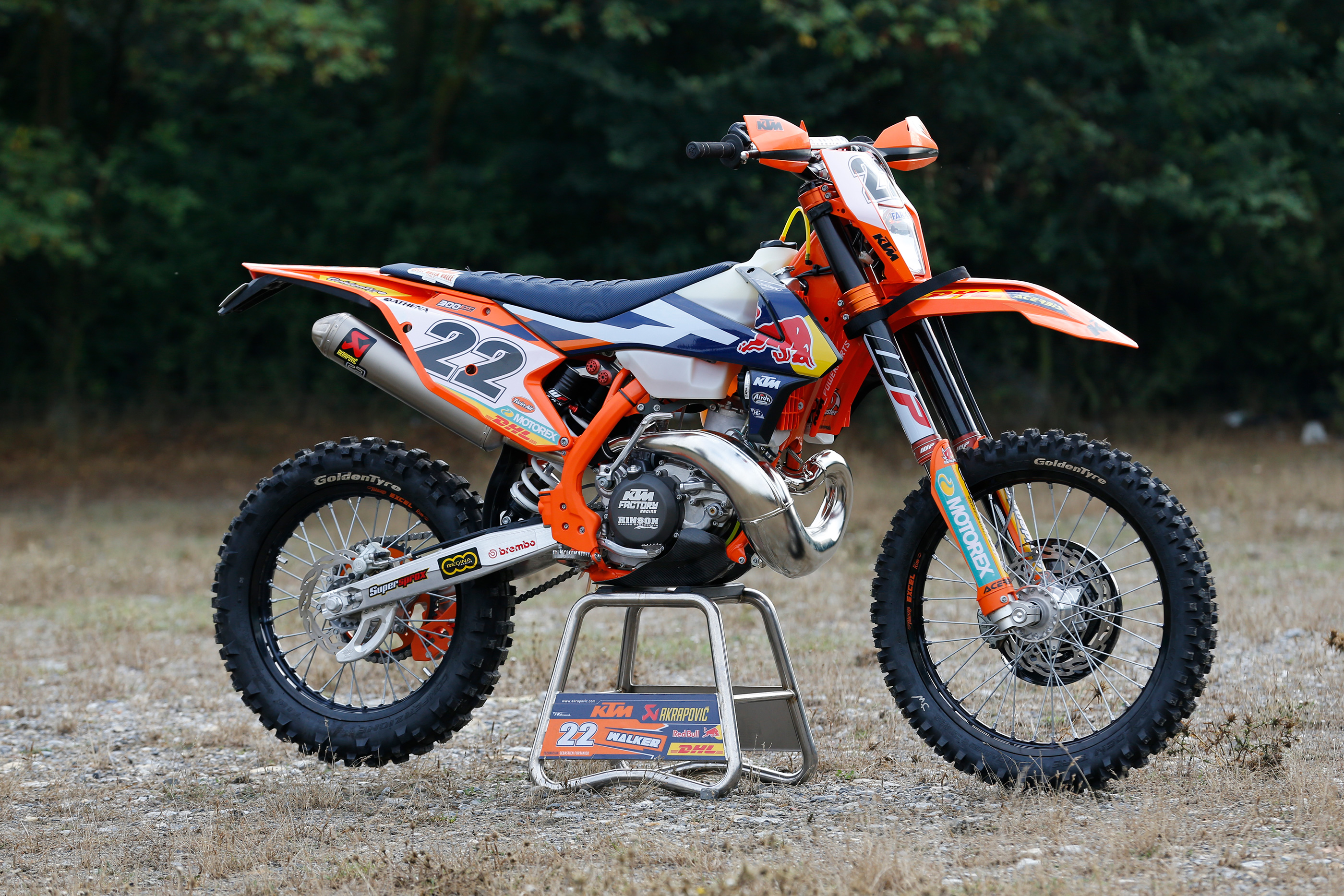 jonny walker s ktm 300 exc 2017 factory bike de ride review derestricted. Black Bedroom Furniture Sets. Home Design Ideas