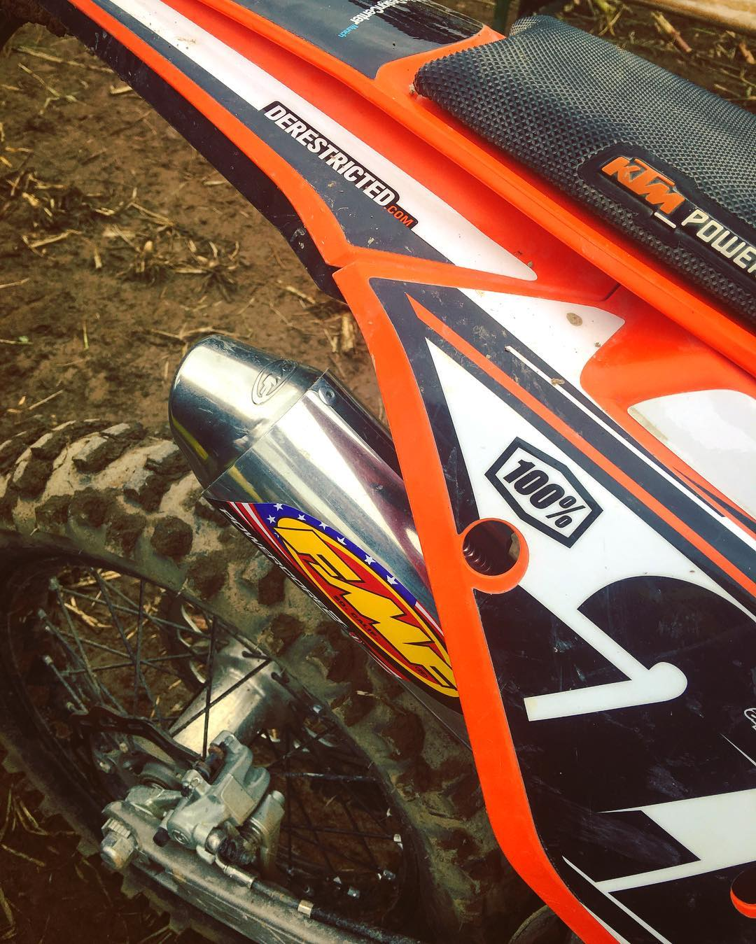 Audio delights @fmf73 #powercore2 #enduro #ktmexc #2stroke #ride100percent #enduro
