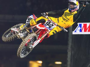 Nasty crash tonight for @kenroczen94 . We are sure he will be back as strong as ever though! Good luck on the recovery dude! #supercross