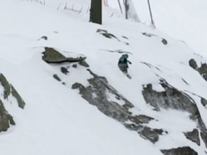 Hucked a few little cliffs today to feel young again. Blurry video from my buddy Ralf :) #snow #ride100percent