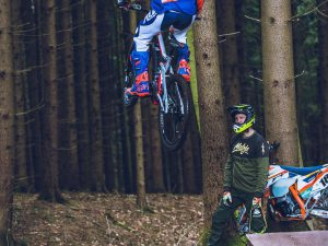 """Are you sure you don't want to put on some MTB shoes to hit the jump?"", ""I'm not sure, i never hit a jump like this on an eBike or even a bicycle before, maybe I would be safer keeping my Moto boots on!"" – @letti_189 launching @tschugg23 's  @haibike_official  #xduro ! #legend #enduro #moto #haibike #ktm #ride100percent"