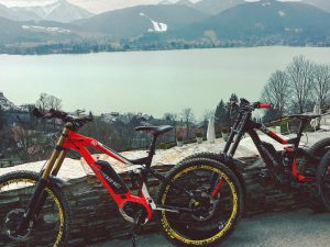 It doesn't get much better than epic trails ending down at a lake :) #emtb #ebike #mtb #xduro #downhill