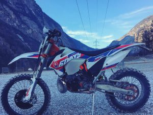 It's always a pleasure to see these things around :) #de_portfolio #design @xbowlarena #ktm #sixdays #exc #enduro