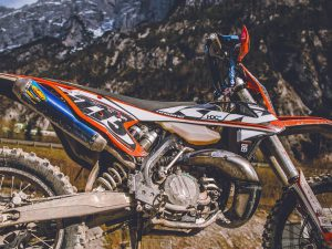 Rugged and raw! Anybody got any recommendations for a decent skidplate? We broke ours last week. #ktm #300exc #enduro @xbowlarena #moto