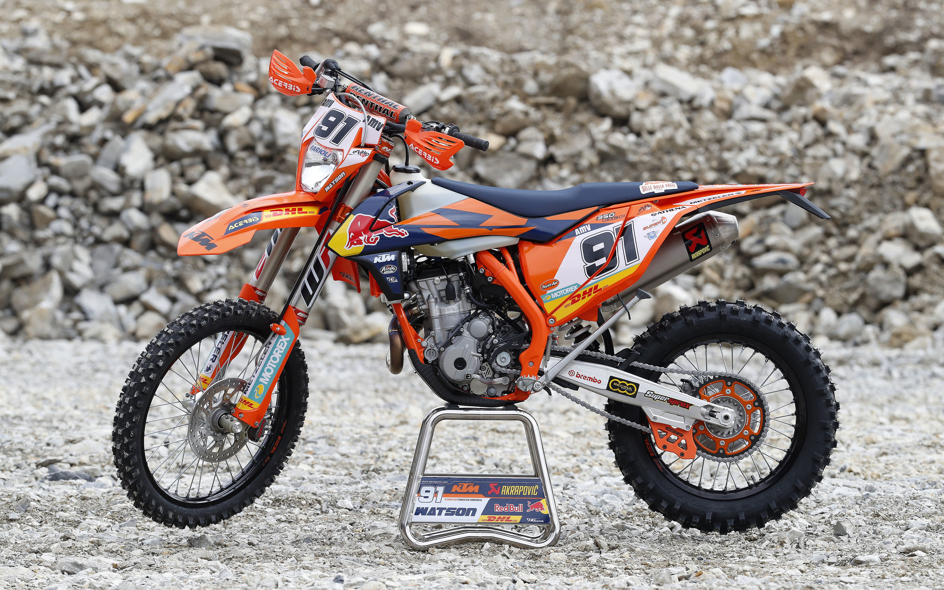 2018 ktm 250f. perfect 2018 in any case we are sure more details will be revealed of the news bikes in  springtime so check out some nice photos for now ktm factory racing team  with 2018 ktm 250f