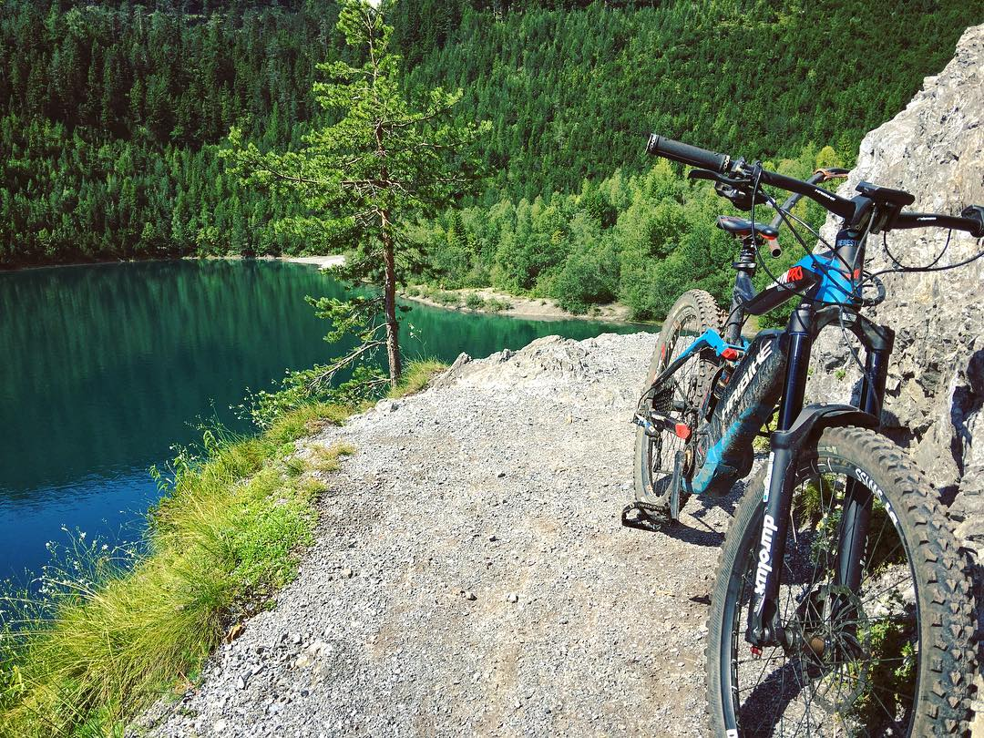There are so many amazing spots to ride near München, and simply no better (legal) way to access and ride them than on an eBike. #emtb #mtb #ebike #pedelec #enduro #haibike