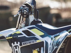 Shot from the archives. Colab graphic with the legendary @cesarrojo ! #husqvarna #fc450 #moto #de_portfolio #ride100percent