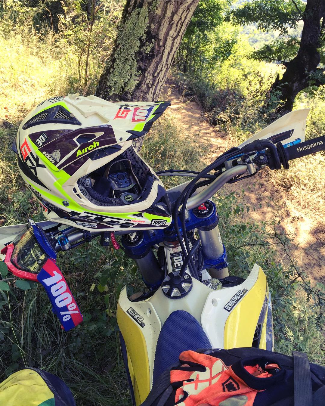 Throwback to one of the best and most exhausting weeks riding ever at #Romaniacs . Wish I had time to make it back again.. maybe next year 🙈 #enduro #husqvarna #fe350 #ride100percent