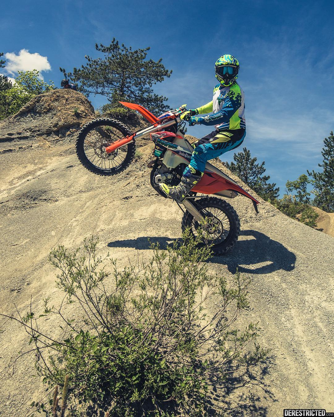 #wheeliewednesday with @endurides #ride100percent #enduro #moto