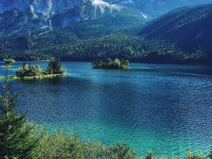 A ride with a view today at Eibsee . #mountains #mtb #bikes