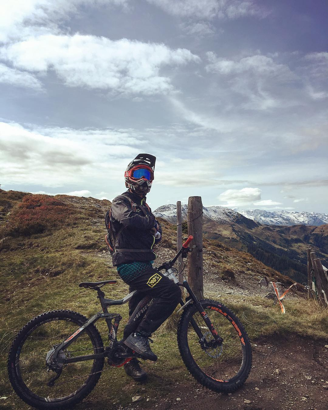 So ready to hit the trails again! Testing the bikes we design in full-on alpine environment helps to develop a better product and to empathize with our customers… and to look cool 😎😂 #haibike #xduro #ebike #emtb #emountainbike #downhill #saalbach #weareeperformance #coolschool