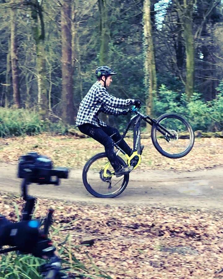 Behind the scenes on set with @sampilgrim and @haibike_official #haibike #emtb #hardseven #ebike #agencylife
