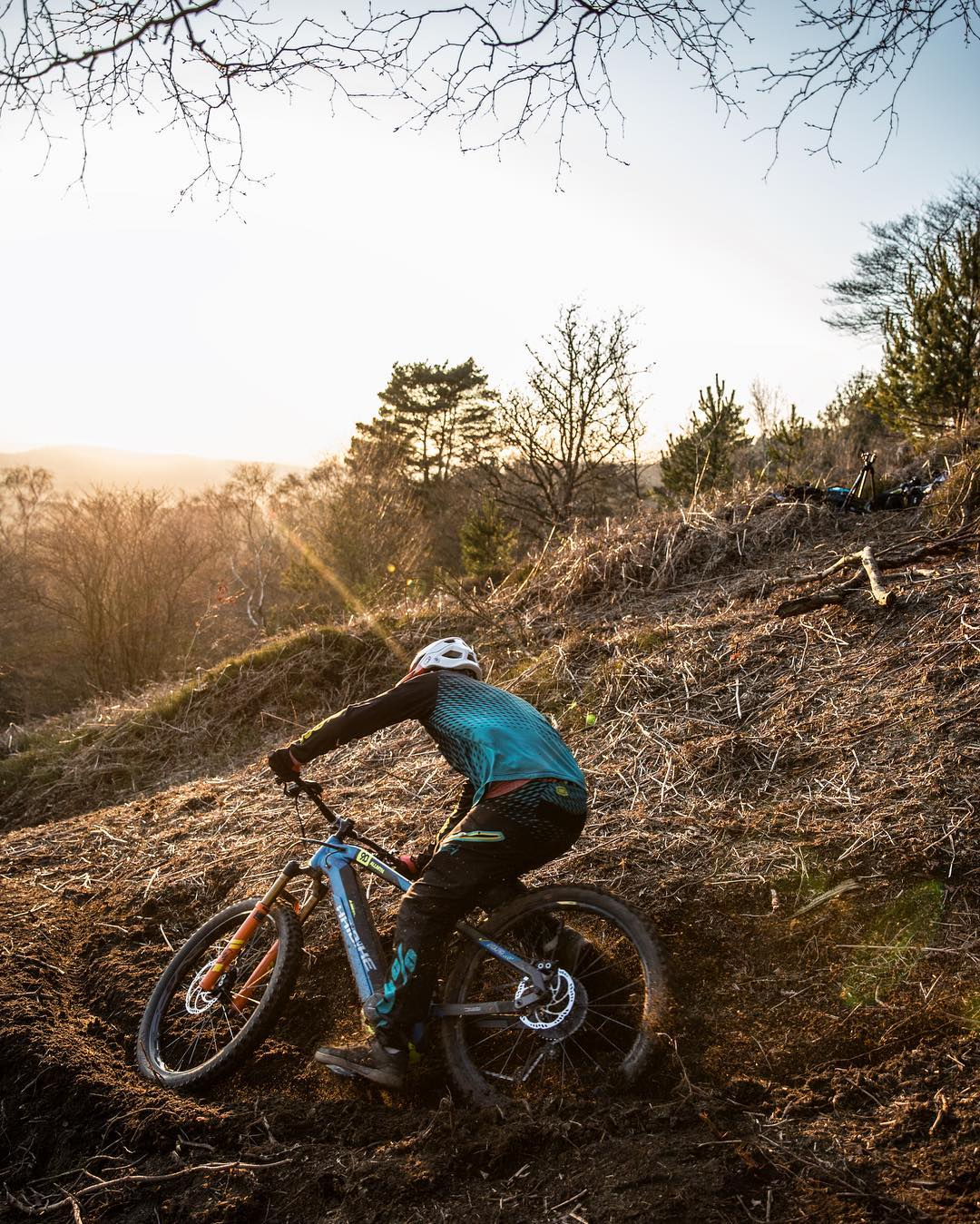 Sam Pilgrim took a well deserved break from the hard graft of being a pro rider so he could live the dream for a minute behind the lens as a pro photographer and shoot some photos of me. After this it was straight back to work. 📷 @sampilgrim #ride100percent #emtb #haibike