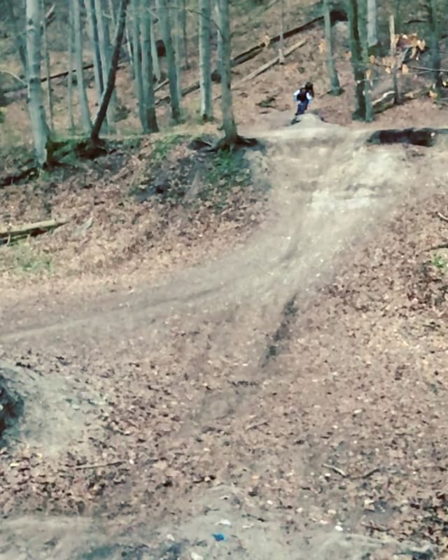 What being partners is all about! @derestricted towing @benna292 over the gap jump for the first time. High fives all around! #ride100percent #haibike #agencylife #weareeperformance #emtb #eeebing