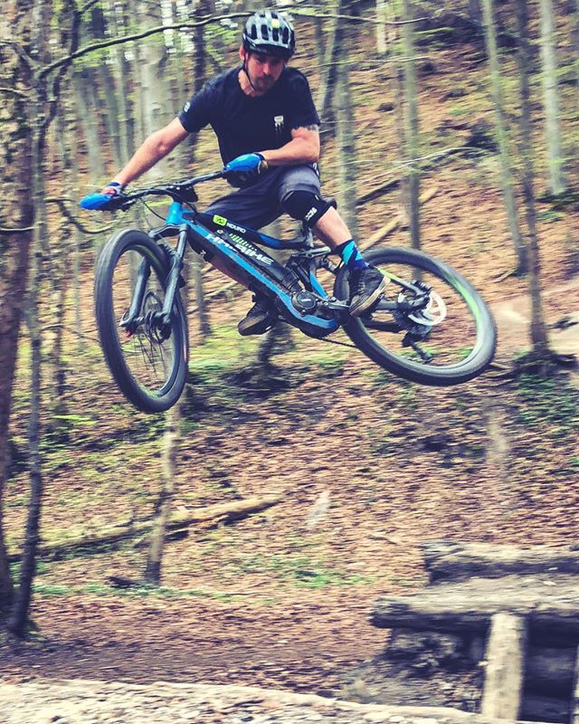 Weekend whipage on the eeeb! 📷 @ju_angel #haibike #ride100percent #agencylife #nduro #emtb #ebike #eeebing