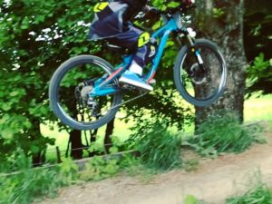 7 years old and not scared to send it! Little wheels holding back his speed a little, needs a lawyer for that case!! Thanks to @propain_bicycles for making such a killer little bike! #frechdax #mtb #ride100percent @100percent_bike