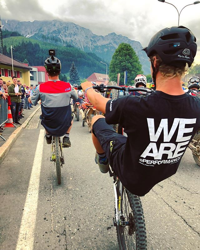 Wheelies through the streets of Eisenerz at Erzberg! #weareeperformance  @erzbergrodeo_official #emtb #enduro #erzbergrodeo
