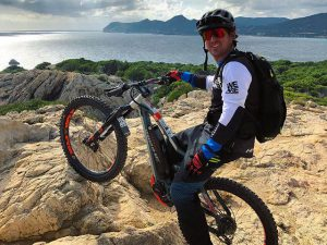 Furthest Eastern point of Mallorca! Such a good week with a top crew! Epic trails, sunny weather, guiding 15 – 30 people each day about 50km off-road.  Exhausting but such a buzz and so different from what I normally do! Too many punctures and snapped chains to even count but loving my time here! Big up to everybody involved in this week! #emtb #haibike #ebike #enduro #ride100percent #mtb #weareeperformance