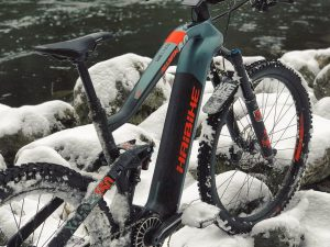 It's actually super fun riding in the snow! #drift #emtb #snow #haibike #ride100percent #flyon