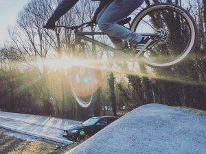 Felt so good to get some sun rays and out on the bike again today! @velosolutions_global made such a mega flow track in Salzburg! 📷 @speedyvelocity2000 #pumptrack #dirtjump #commencal #ride100percent