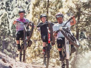 No matter if you are just learning to ride, or are a seasoned pro, trying to pull wheelies with your friends is always fun! Just make sure you always have the back brake covered to help keep you at the balance point. #wheeliewednesday #emtb #mtb #mountainbiking #eduro