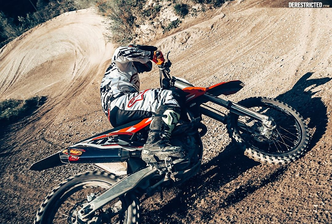 Actually I do kind of miss twisting the throttle sometimes!  @zajcmaster #ktm #moto