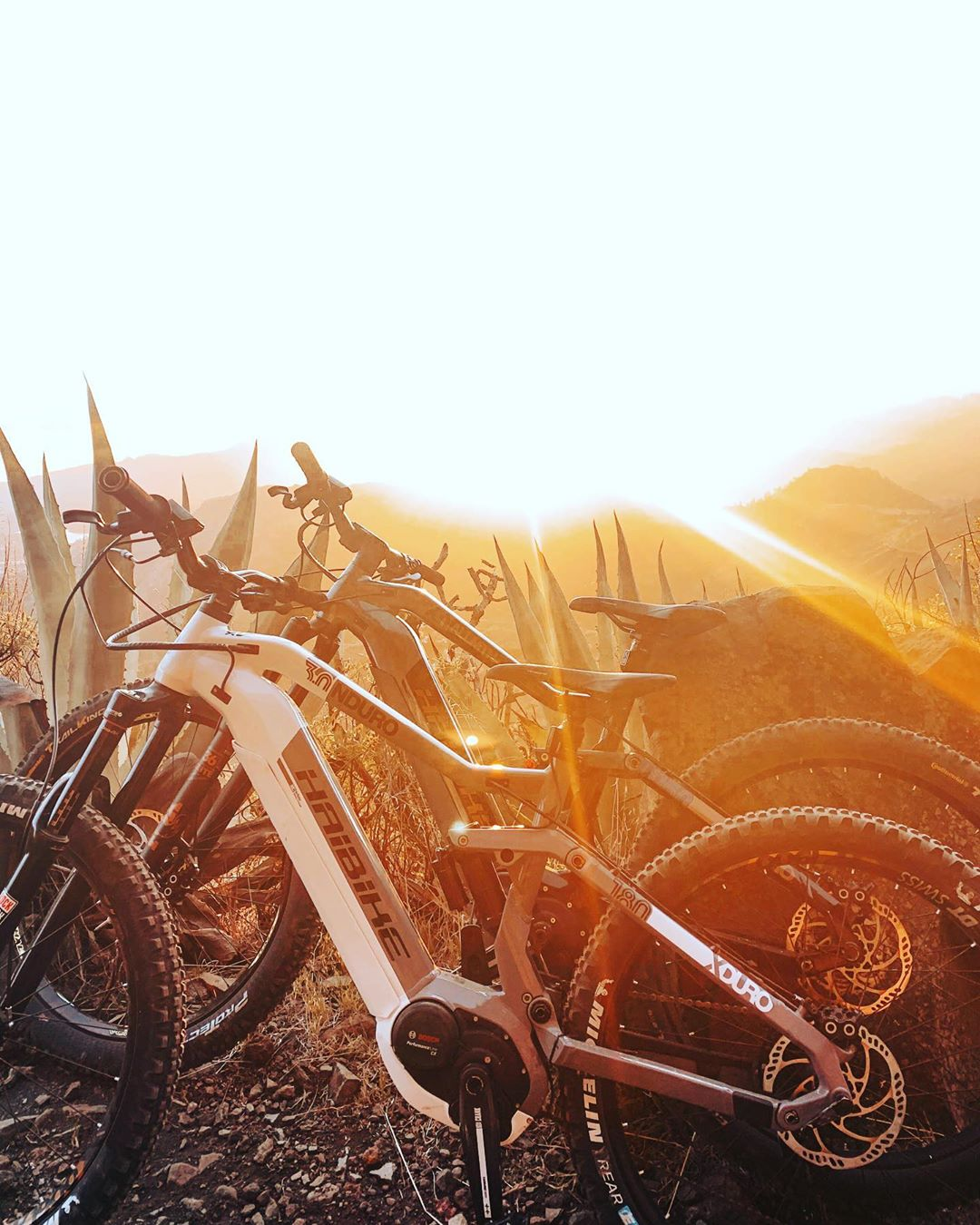 Sunsets and eebs, 2 of my favourite things nowadays // #emtb #emountainbike #haibike #enduro #mountainbiking