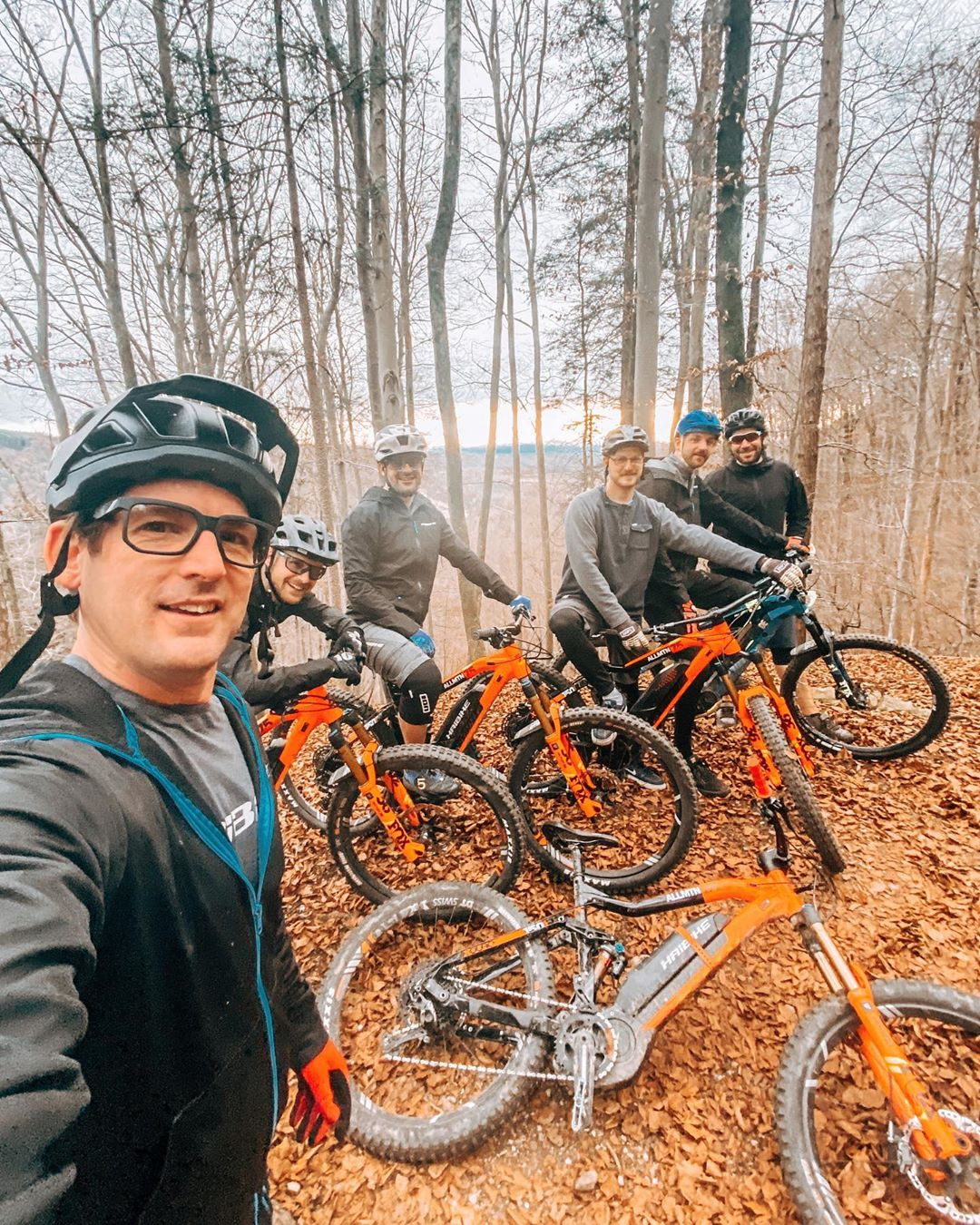 We can't think of a better way to end the work year than with an epic group ride to remind us how lucky we are to spend our days designing ebikes which can make life so fun! No mechanicals, no punctures, no crashes, just lots of laughs on this wonderful modern invention! Awesome! Thanks to everybody we have worked with this year, we are looking forward to more good times next year! #agencylife #eebit #emtb #ebike #haibike #ride100percent #design #bikedesign #yamaha