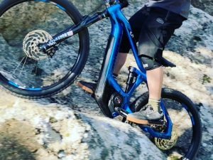 Last month in Corsica feels already like a lifetime ago. How fast things can change! Hope you are all keeping safe and sane? @yannickgranieri made this line look so easy. I 'almost' made it 😂 🎬 @yannickgranieri #ride100percent #freeride #enduro #allmtn #haibike #eebit #emtb #altec